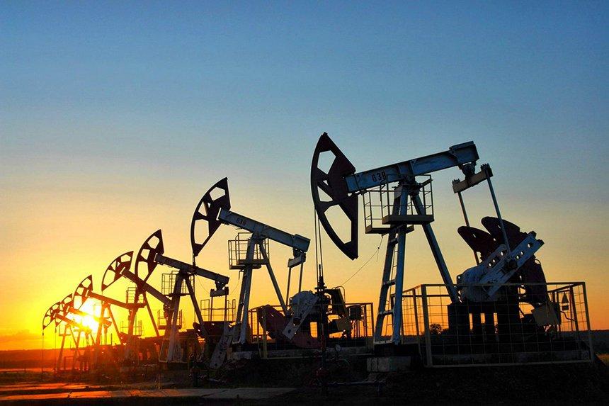 С Днем нефтяника и газовика!